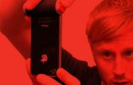 POPA: Bouton d'obturateur rouge pour l'appareil photo de l'iPhone 4