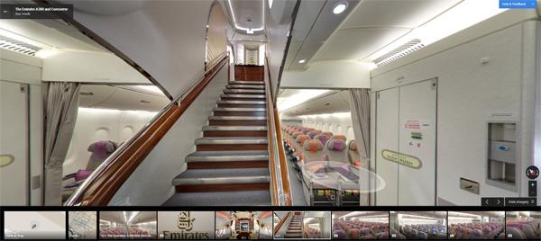 Escaliers de l'A380 de la compagnie aérienne Emirates