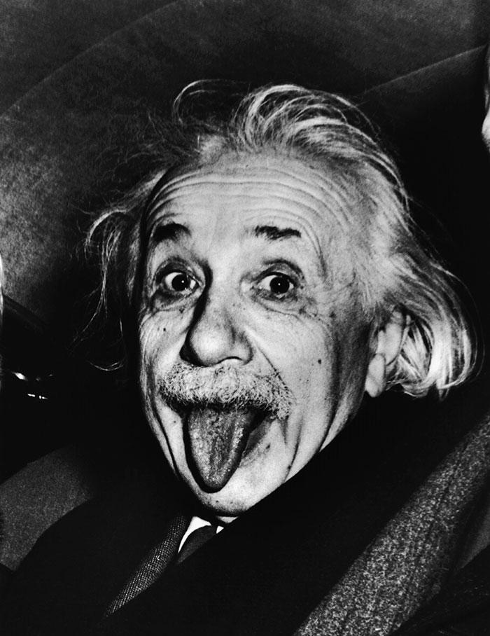 Pourquoi Albert Einstein tire la langue ?