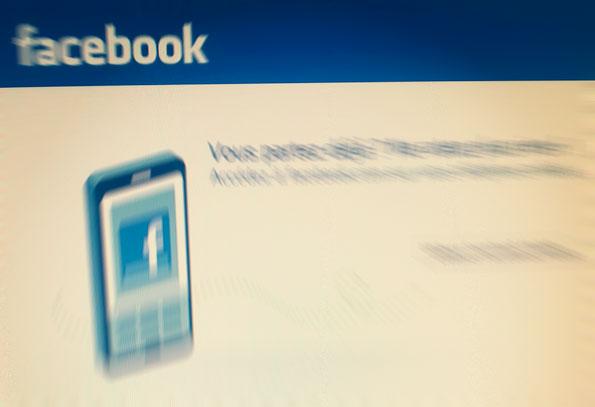 Les femmes émiraties vont quitter Facebook pour Twitter